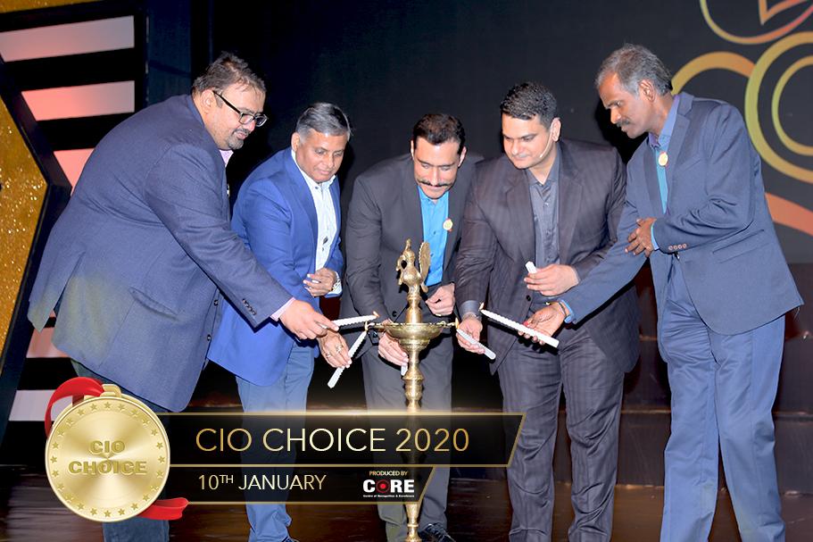 Sanjay Kotha Sanjay Mehta Sunil Mehta Anoop Mathur and Sendil Kumar Venkatesan Lighting Lamp @ CIO Choice 2020